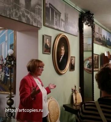 Копия картины «Портрет графа И. И. Воронцова-Дашкова» в интерьере музея