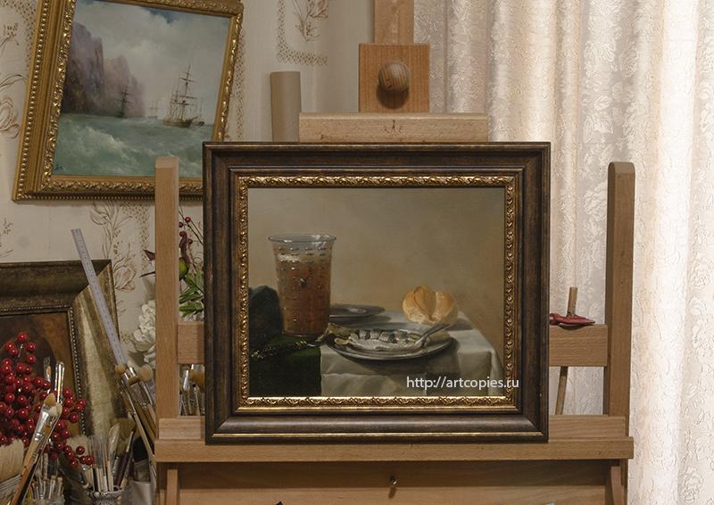 Копия картины «Натюрморт с селёдкой» П.Класс в интерьере мастерской.