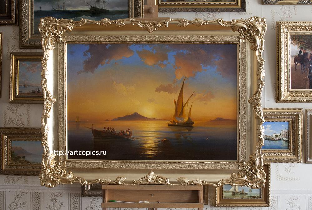 """Копия картины """"Неаполитанский залив"""" Айвазовского И.К. в интерьере мастерской."""