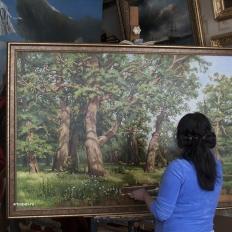 Копия картины Шишкина «Дубовая роща» в интерьере