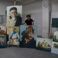 Художник Сабит Нуримов, готовится к выставке в Китае.