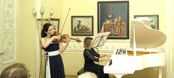 Выставка картин С.Нуримова в библиотеке им.М.Ю.Лермонтова